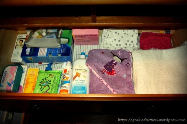 Organisation et produits table à langer bébé